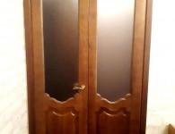 Межкомнатные двери из массива сосны со стеклянными вставками