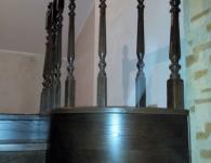 Обшивка ступеней массивом ясеня на металлический каркас - фото 10