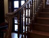 Лестница из массива ясеня на бетонное основание - фото 3