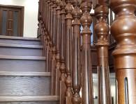 Лестница из массива ясеня на бетонное основание - фото 6
