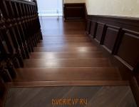 Лестница из массива ясеня на бетонное основание - фото 8