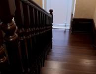 Лестница из массива ясеня на бетонное основание - фото 7