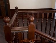 Лестница из массива ясеня на бетонное основание - фото 10