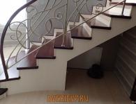 Лестница из массива ясеня с установленной подсветкой ступеней - фото 4