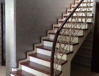 Лестница из массива ясеня с установленной подсветкой ступеней - фото 8