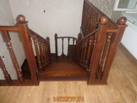 Как ухаживать за лестницей из дуба