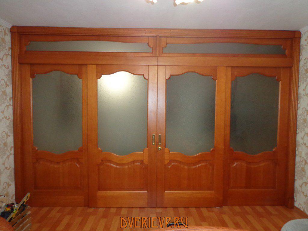 Почему дверь должна быть деревянная?